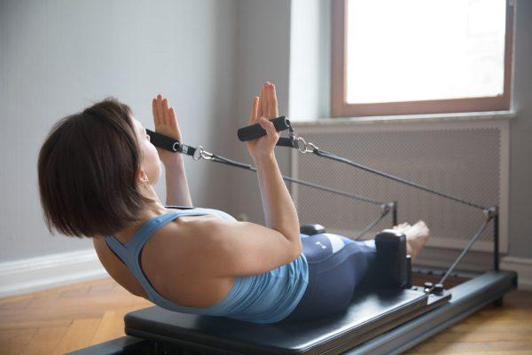 pilates-gruppe-geraete-training